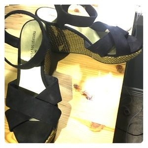 Size 10W wedges